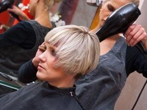 Короткие волосы с челкой